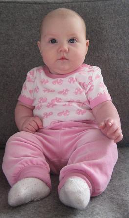 Elise 4 månader